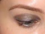 kızıl saç yeşil göz kahverengi far